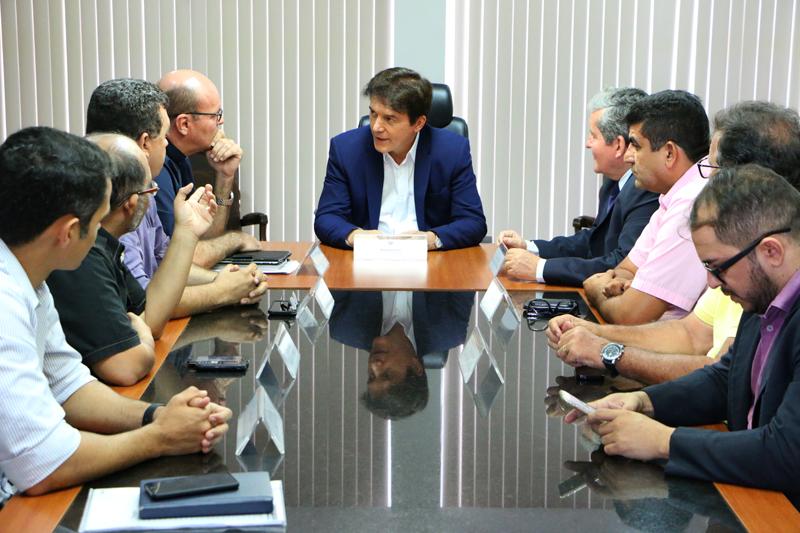 Governador recebe comissão de organização da festa da Padroeira de Mossoró